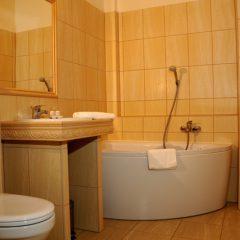 Hotel Folwark Stara Winiarnia - łazienka - 4