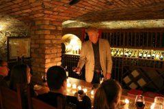 XVI - wieczny Kasztel Folwark Stara Winiarnia - degustacja win