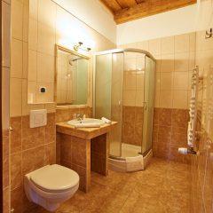 Łazienka Hotel Folwark Stara Winiarnia - 1