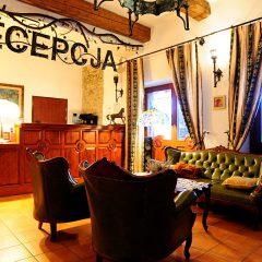 Hotel Folwark Stara Winiarnia - Recepcja - 3