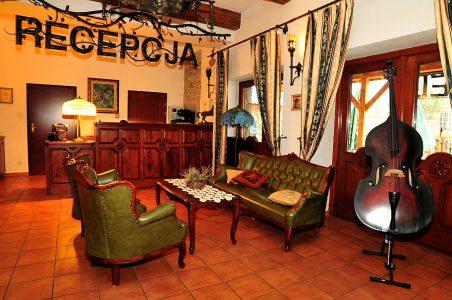 Hotel Folwark Stara Winiarnia - Recepcja
