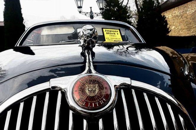 Jaguar Mark I - limuzyna z 1958r, w latach 60-tych używana jako samochód sportowy w wyścigach. Obecnie rzadki okaz kolekcjonerski