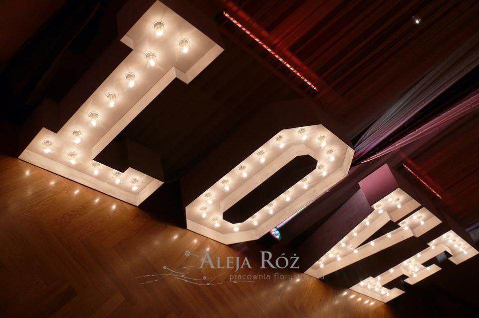 dekoracja światłem Aleja Róż
