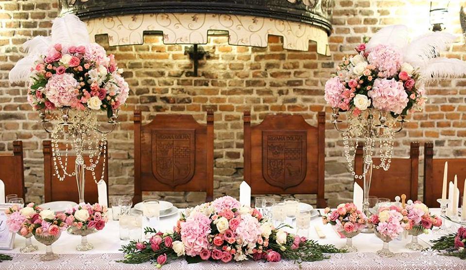 nowe trendy w modzie ślubnej dekoracje ślubne Folwark Stara Winiarnia